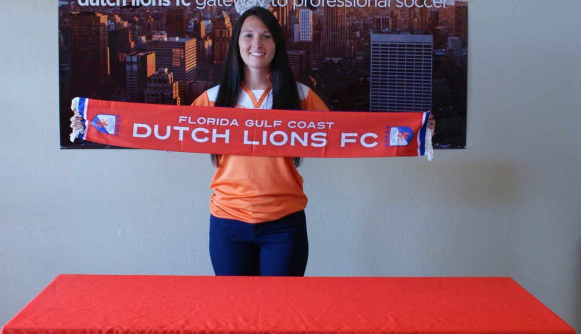FGCDL FC signs D2 player Sarah Feakins